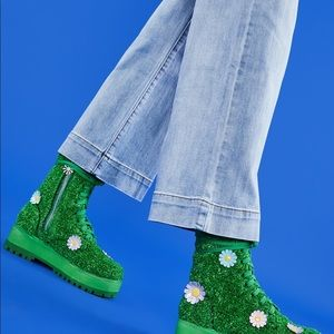 ISO Greener Grass dELIA's Boots
